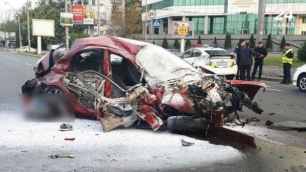 Последствия жуткого ДТП в Киеве