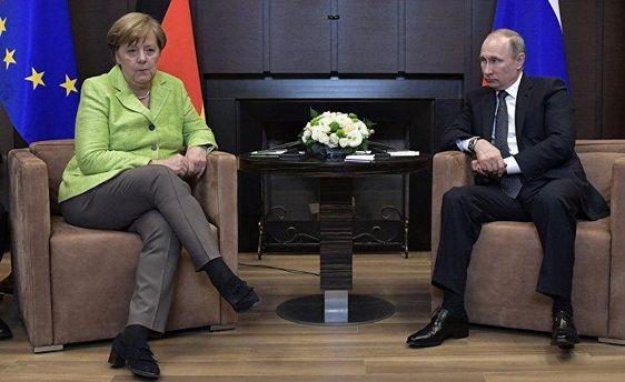 Зустріч Меркель та Путіна була холодною і стриманою