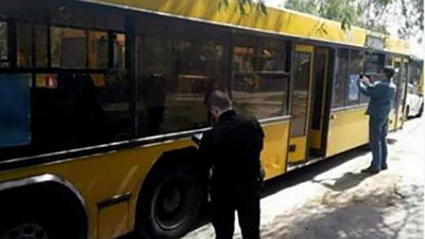 Обстріляний автобус у Києві