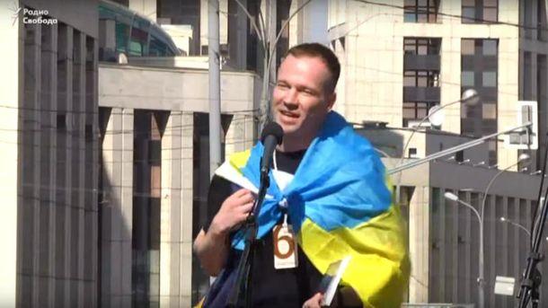 Ильдар Дадин выступал с сине-желтым флагом на плечах