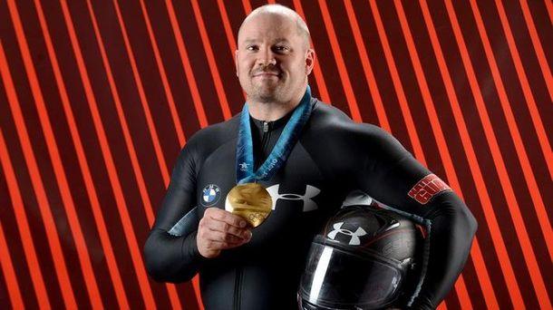 Олимпийский чемпион 2010 года по бобслею Стивен Голкомб