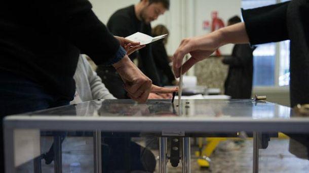 У Франції відбувається другий тур президентських виборів