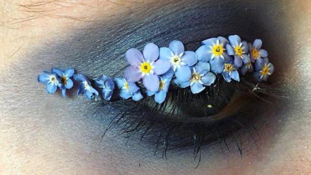Квіти на очах - новий тренд у макіяжі