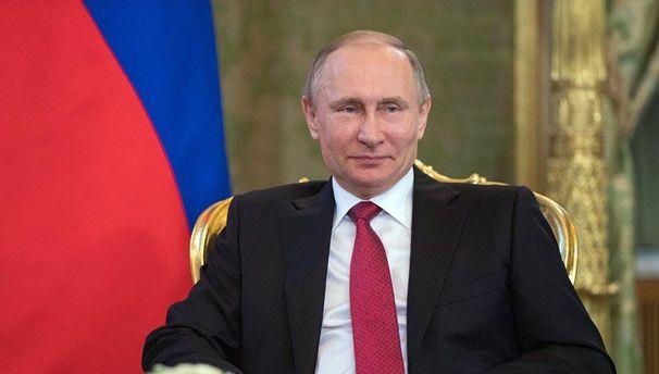 Хакерів з Росії підозрюють в атаках на Макрона