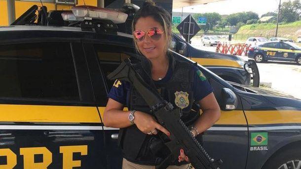 Полицейская Мари