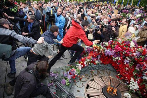 Хто і навіщо провокує сутички 9 травня?