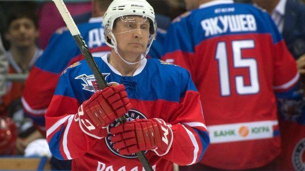 Володимир Путін на матчі з хокею