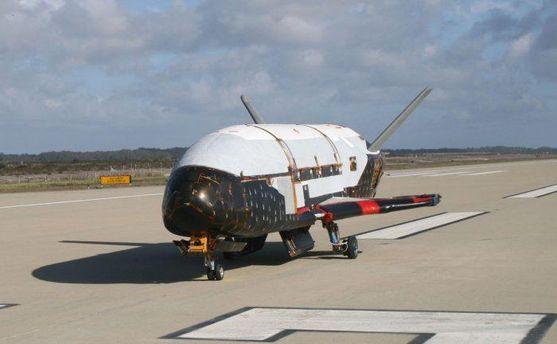 Секретний космічний літальний апарат X-37B