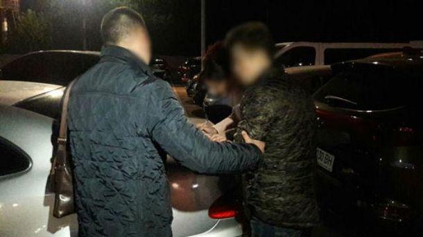 Опасную группу торговцев людьми задержала полиция