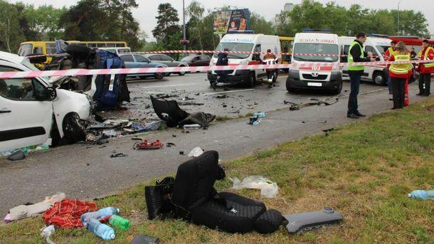 Страшна аварія у Деснянському районі Києва