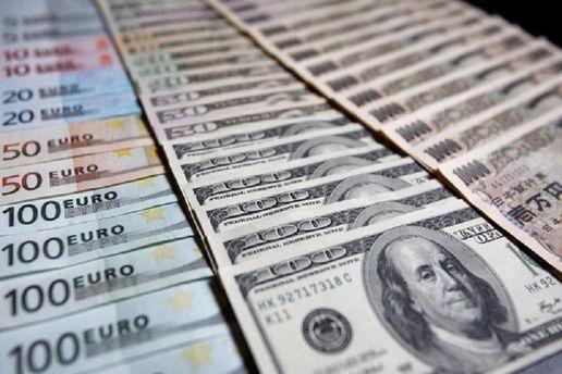 Цена на доллар и евро осталась неизменной