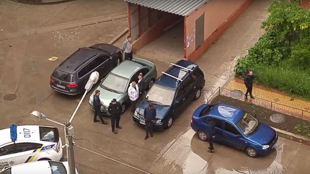 Масова бійка в Одесі, поліцейському зламали ніс