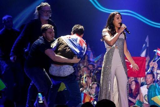 Віталій Седюк показав голі сідниці під час виступу Джамали на Євробаченні-2017
