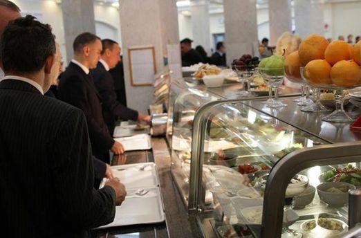 В їдальні Верховної Ради України можна скуштувати російські страви