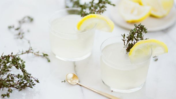 Вода з лимоном