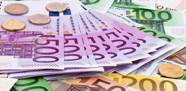 Євро продовжує рости стрімкими темпами