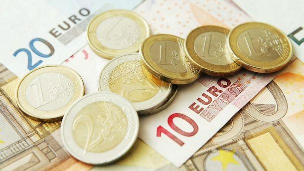 Євро продовжує дорожчати