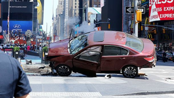 Водій в'їхав у людей на Таймс-Сквер