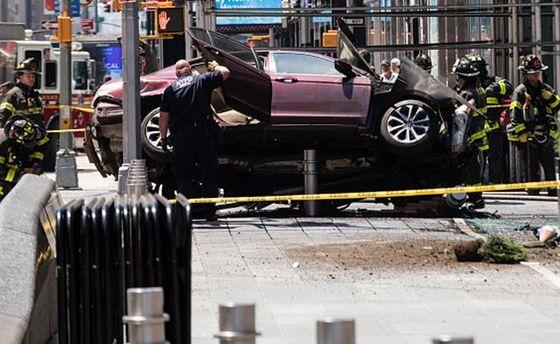 Видео аварии на Таймс-сквер