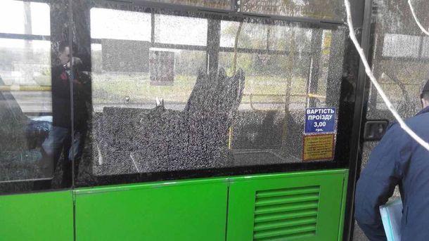 У Харкові обстріляли тролейбус