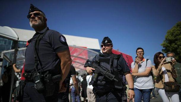 Во Франции до сих пор действует чрезвычайное положение