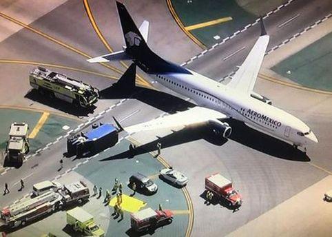 Самолет столкнулся с грузовиком в Лос-Анджелесе