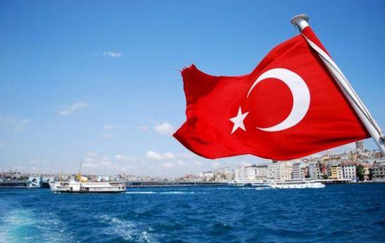 Украинцы могут без загранпаспортов ездить в Турцию
