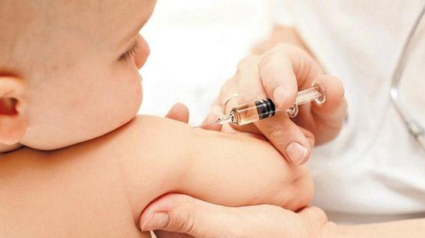 Вакцинація дітей в Україні