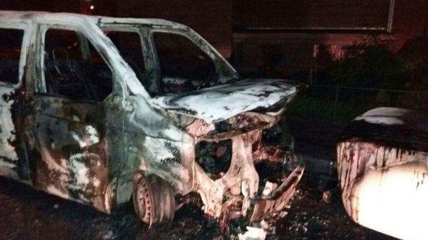 В Киеве сгорели автомобили