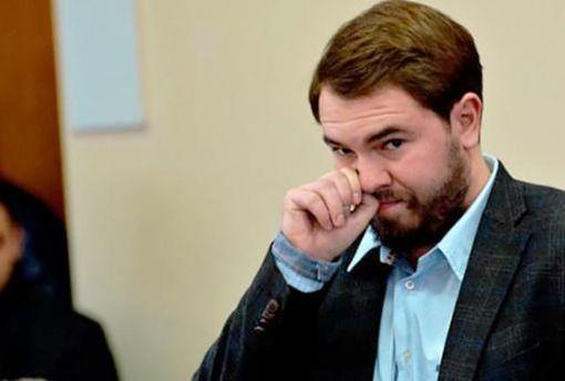 Лозовий подав до суду на Луценка