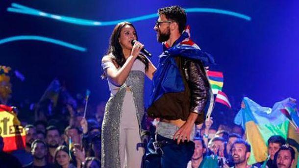 Во время выступления Джамалы на Евровидении-2017 пранкер Виталий Седюк показал голые ягодицы