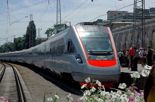 Летом Киев с Одессой соединит дополнительный поезд