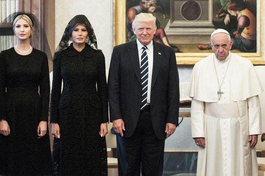 Совместное фото Дональда Трампа и Папы Франциска в Ватикане