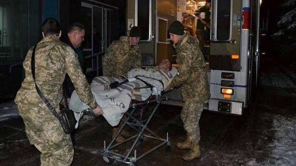 В зоне АТО боевики ранили двух военных