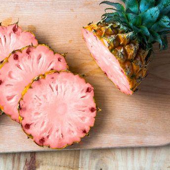 Рожеві ананаси