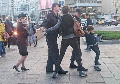 Полиция Москвы отпустила задержанного мальчика