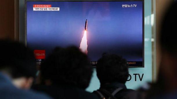 Північна Корея запускає ракети
