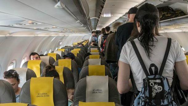 Из-за пьяного пассажира самолет совершил экстренную посадку