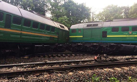 После аварии поездов на Хмельнитчине люди продолжают попадать в больницы