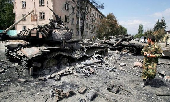 Кремль обстреливает жилые кварталы, чтобы заставить Киев признать Донбасс
