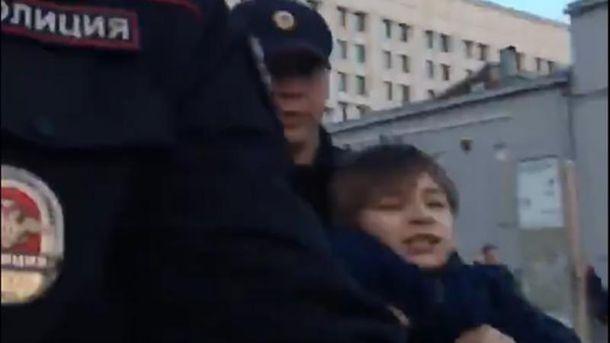 Скандальне затримання малолітнього хлопчика у Москві