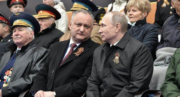 Путин хочет усилить позиции своего ставленника Игоря Додона