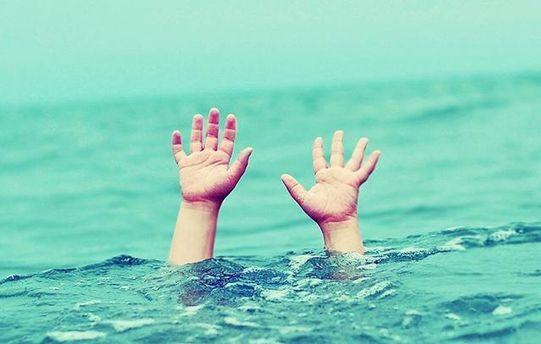 Хлопчик втопився в басейні