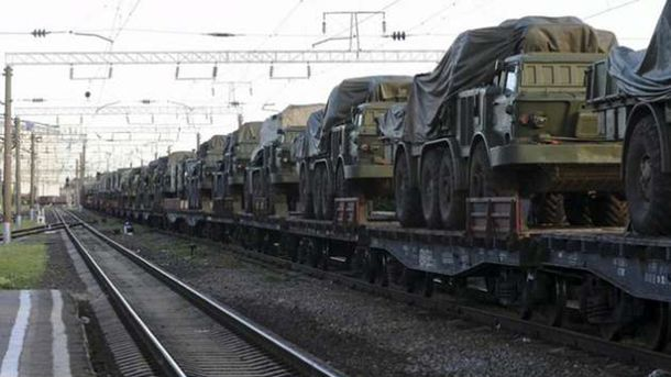 Росія готується перекинути на Донбас військовий ешелон