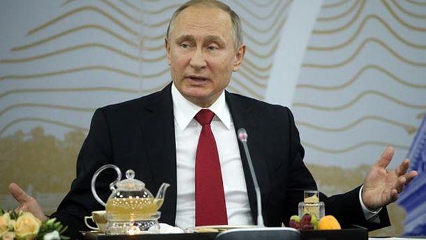«Стрелку ловко перевели»: Путин поведал овмешавшихся ввыборы США американских хакерах