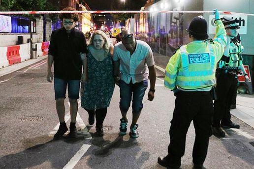 В результате наезда грузовика на толпу людей в Лондоне возросло число пострадавших