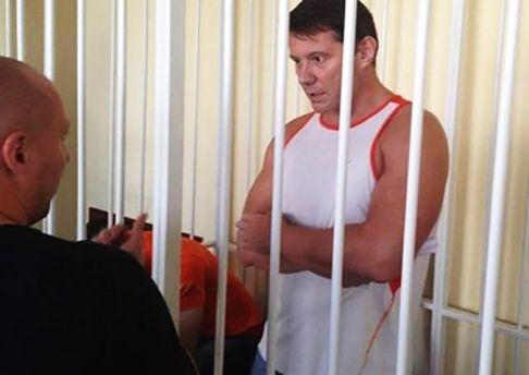 Казанский: Суд оправдал экс-мэра Стаханова, проводившего «референдум»
