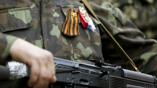 Жінка-снайпер бойовиків влаштувала ДТП наДонбасі