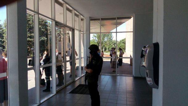 Правоохоронці проводять обшуки вКриворізькій міськраді