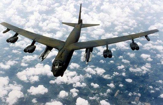 ВинищувачРФ Су-27 перехопив американського бомбардувальника B-52 над Балтійським морем